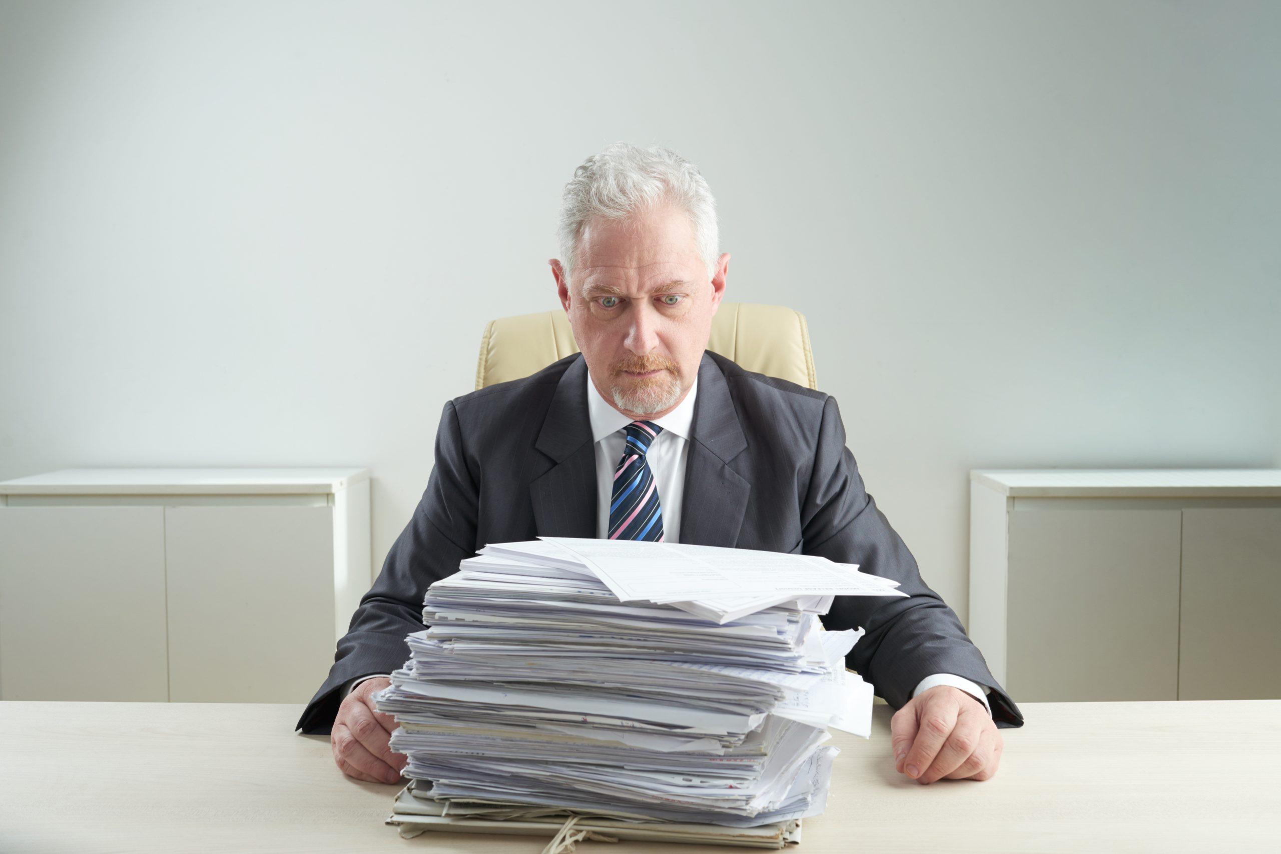Контрагент в ликвидации: как подать заявление о его банкротстве?